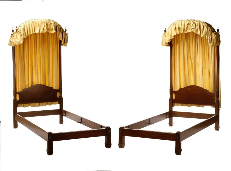 Pair, Kittinger Colonial Revival Twin Canopy Beds