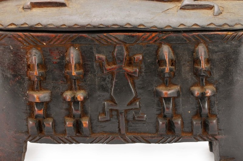 Dogon Carved Horse Form Large Wooden Box - 2