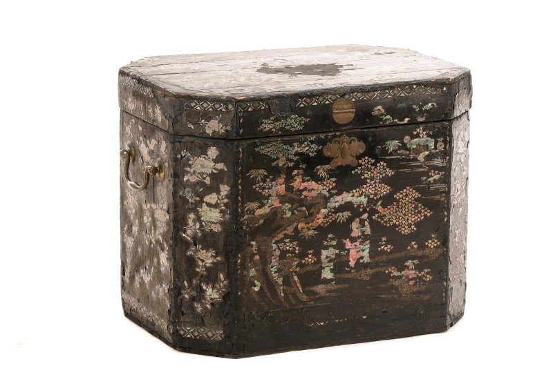 English Black Lacquer & MOP Inlaid Lidded Box