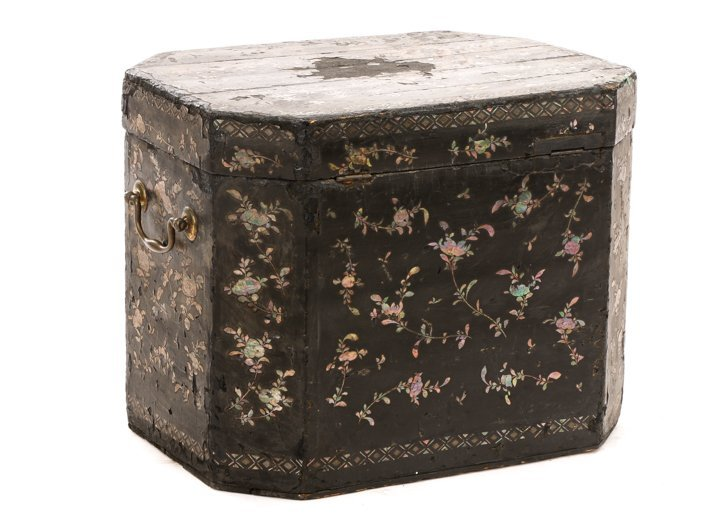 English Black Lacquer & MOP Inlaid Lidded Box - 6