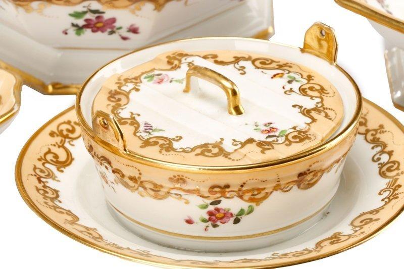 17 Old Paris Porcelain Serving Dishes, 19 C - 4