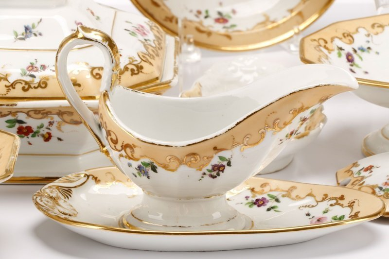17 Old Paris Porcelain Serving Dishes, 19 C - 5