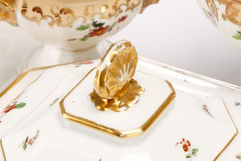 17 Old Paris Porcelain Serving Dishes, 19 C - 6