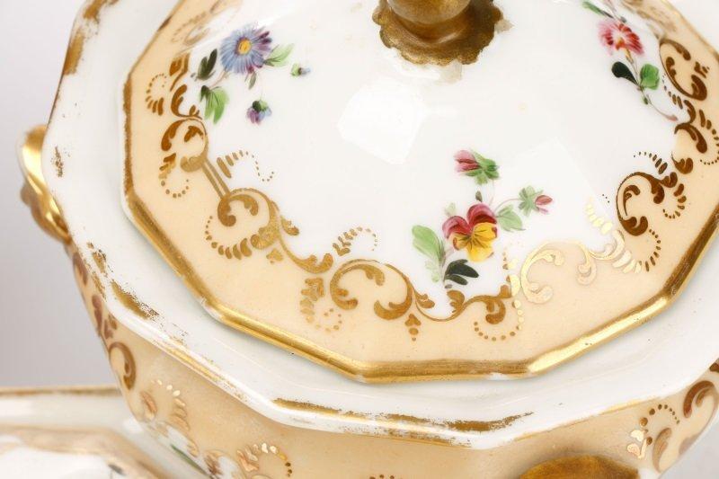 17 Old Paris Porcelain Serving Dishes, 19 C - 7