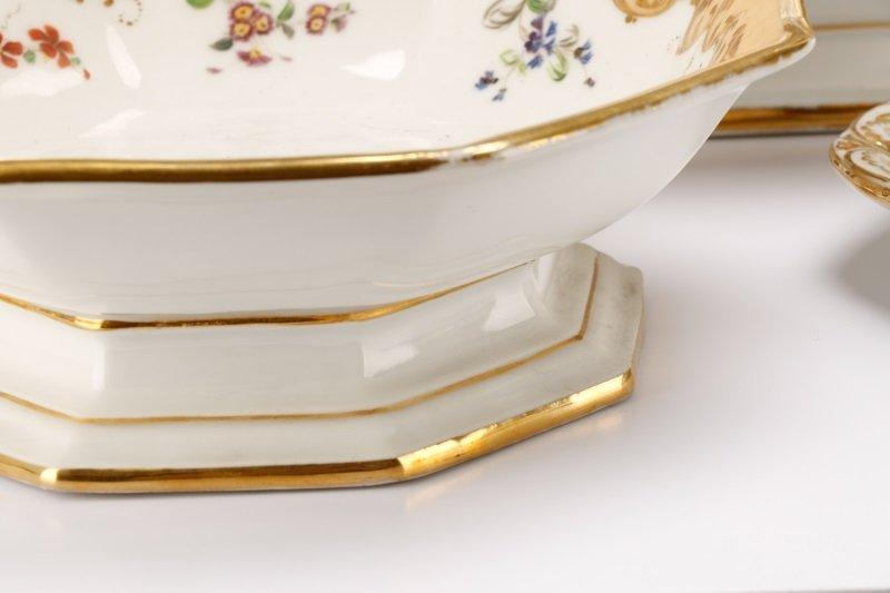 17 Old Paris Porcelain Serving Dishes, 19 C - 8