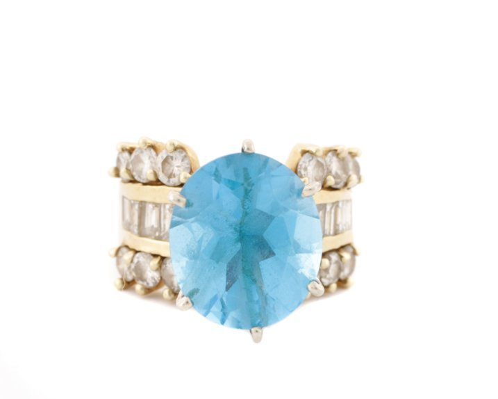 Large 14K Yellow Gold, Blue Topaz, & Diamond Ring - 2