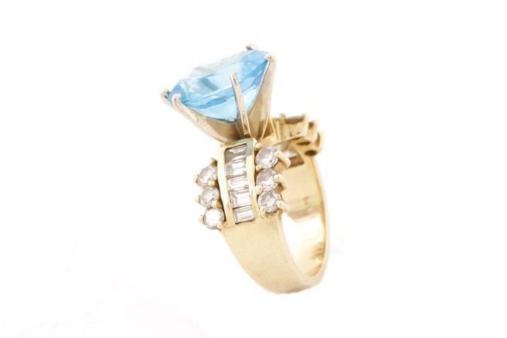 Large 14K Yellow Gold, Blue Topaz, & Diamond Ring - 4