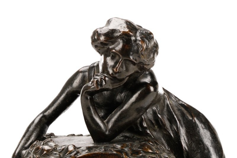 Art Nouveau Bronze and Onyx Mantle Clock, Signed - 5