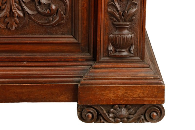 Highly Carved and Stained Oak Drop Front Bar - 3
