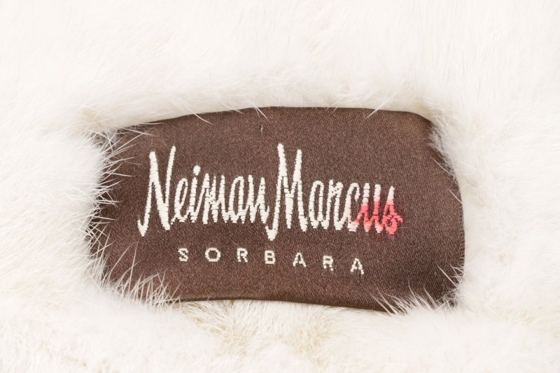 Jerry Sorbara for Neiman Marcus White Fur Collar - 4