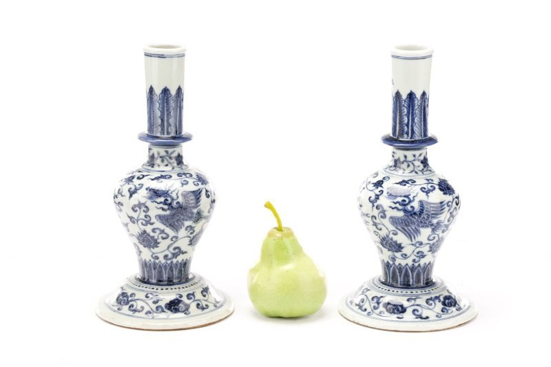 Pair of Unusual Chinese Export B&W Porcelain Vases - 8