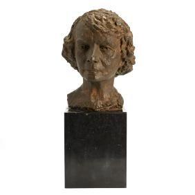 Elisabeth, Queen of Belgium, sculpture