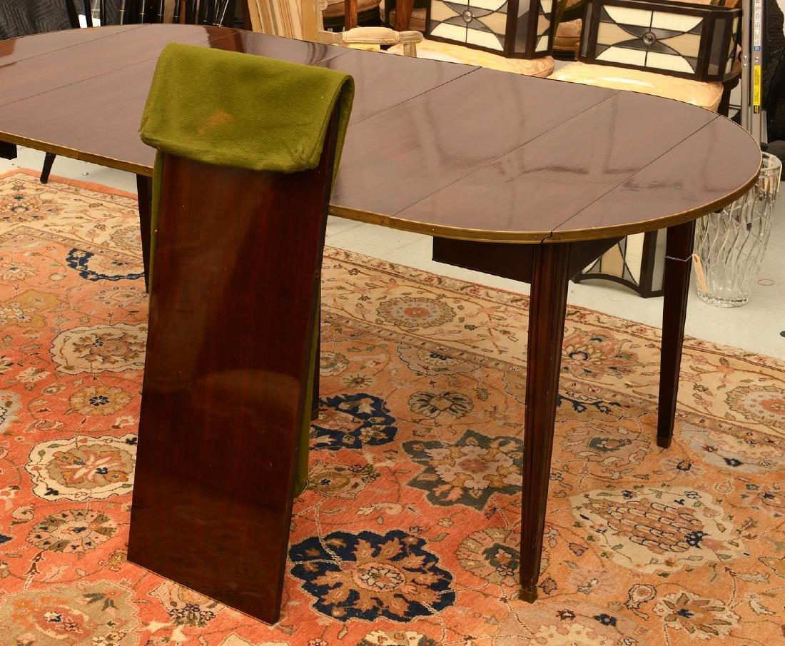Louis XVI style mahogany dining table - 2