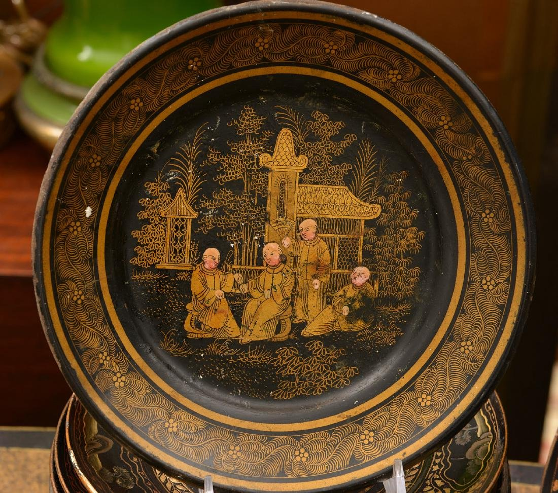 Collection (24) papier mache Chinoiserie plates - 2