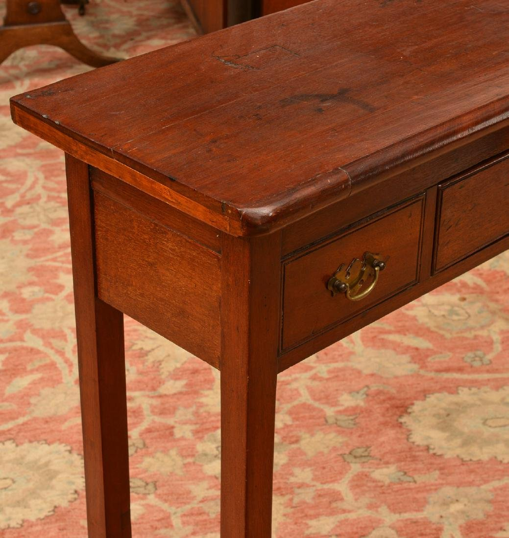Uniquely proportioned English side table - 3
