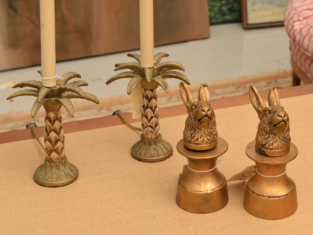 Group gilt Rabbit and Pineapple decorative objects