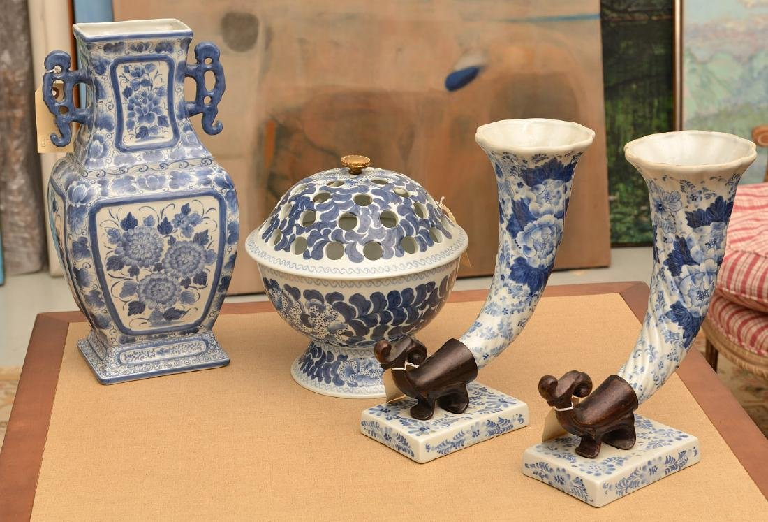 Maitland-Smith, (4) blue and white porcelains