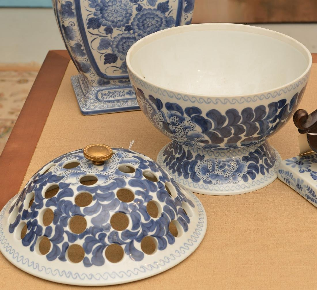Maitland-Smith, (4) blue and white porcelains - 4