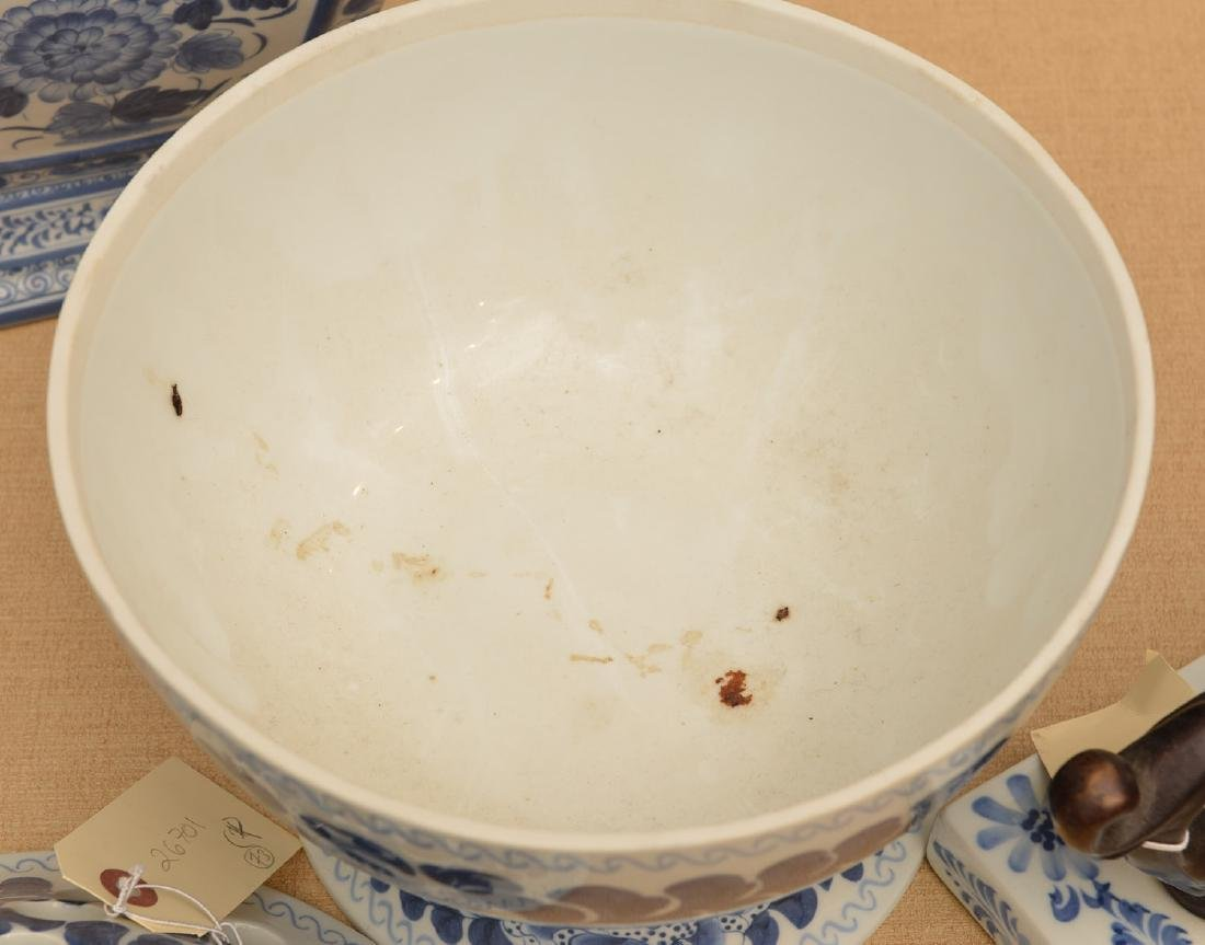 Maitland-Smith, (4) blue and white porcelains - 5