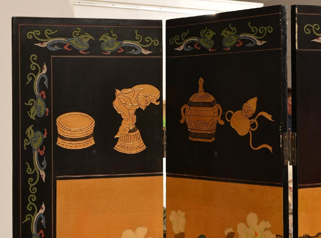 Chinese carved, lacquered, and gilt floor screen - 2