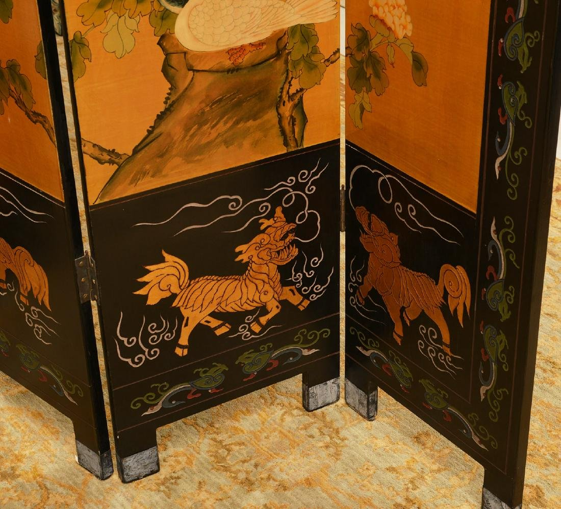 Chinese carved, lacquered, and gilt floor screen - 3