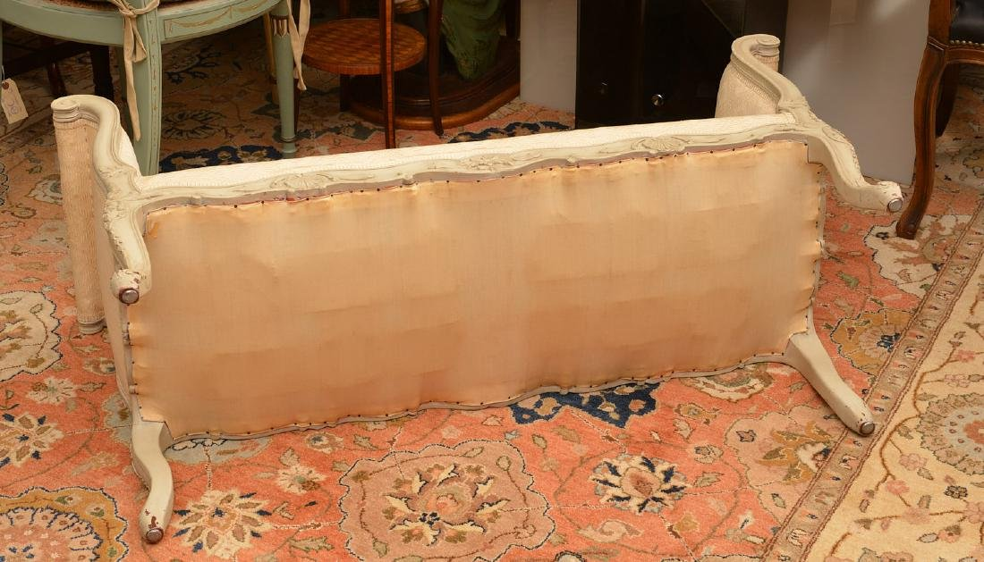 Louis XV style carved and painted window bench - 6