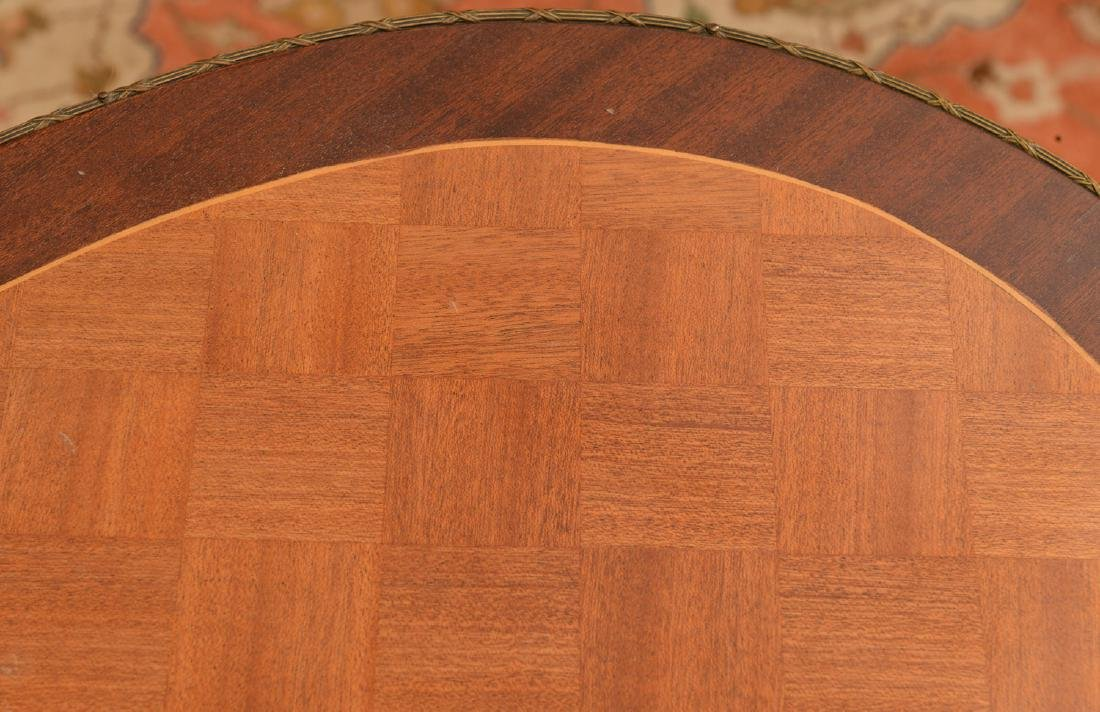 Signed Louis XV style parquetry end table - 3