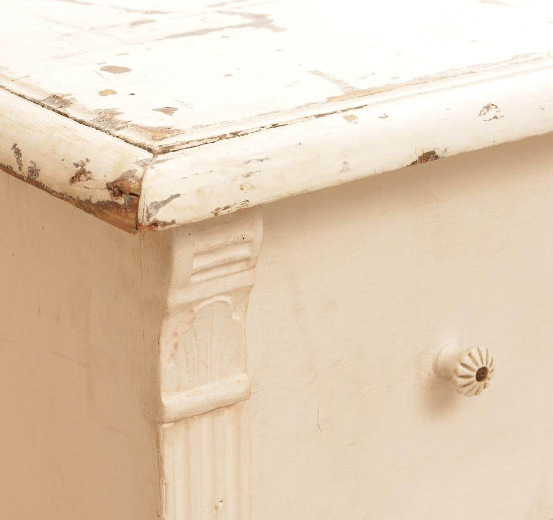 Large white-painted Shabby Chic chest of drawers - 3