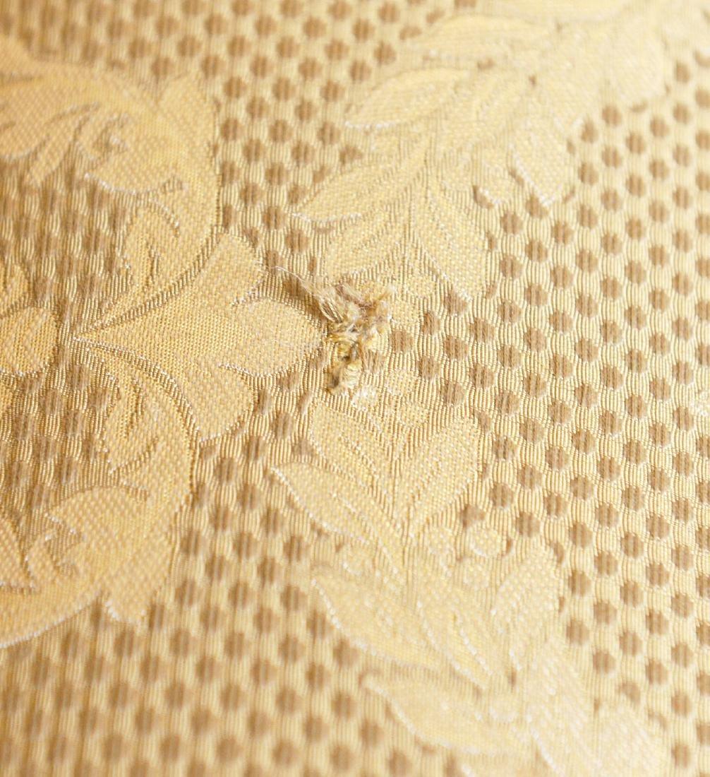 O. Henry House damask upholstered sofa - 4