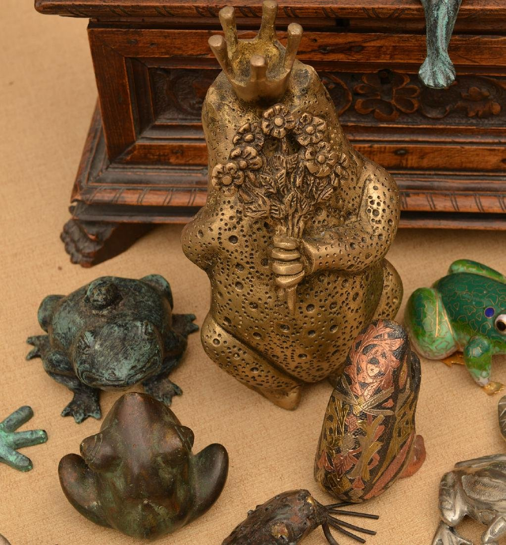 Instant collection (15+) metalware frogs - 6