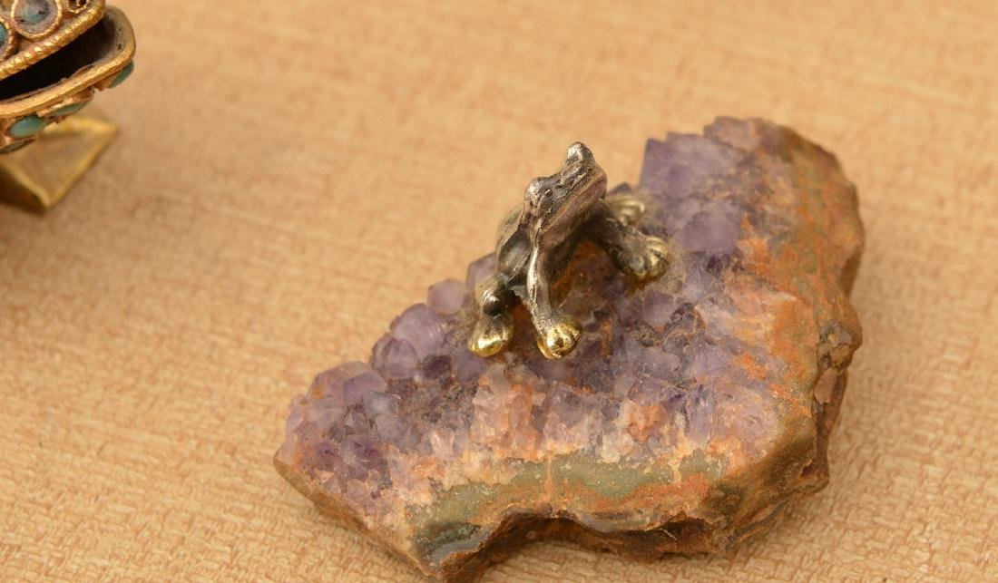 (15) carved stone and beaded frogs - 2