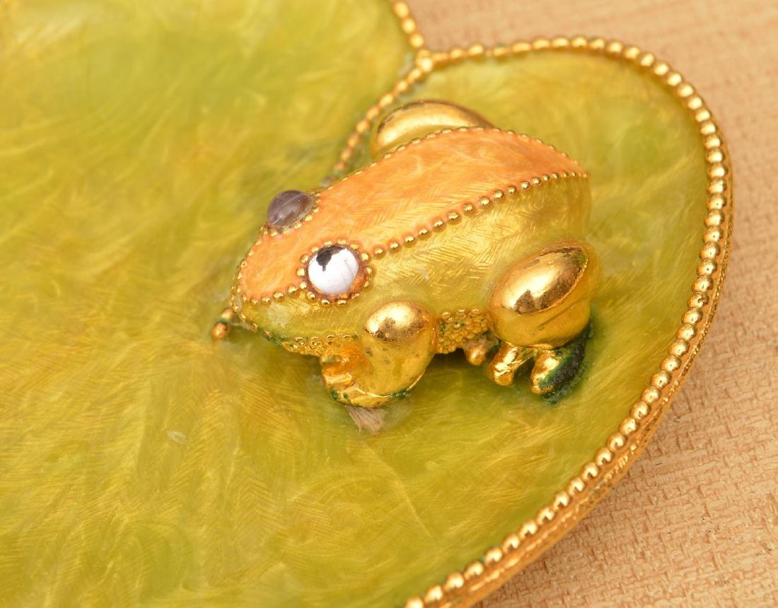(4) Studio glass and enameled frogs - 3