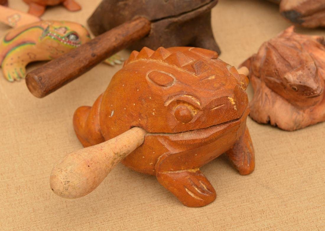 Instant collection (20+) carved wood frogs - 3