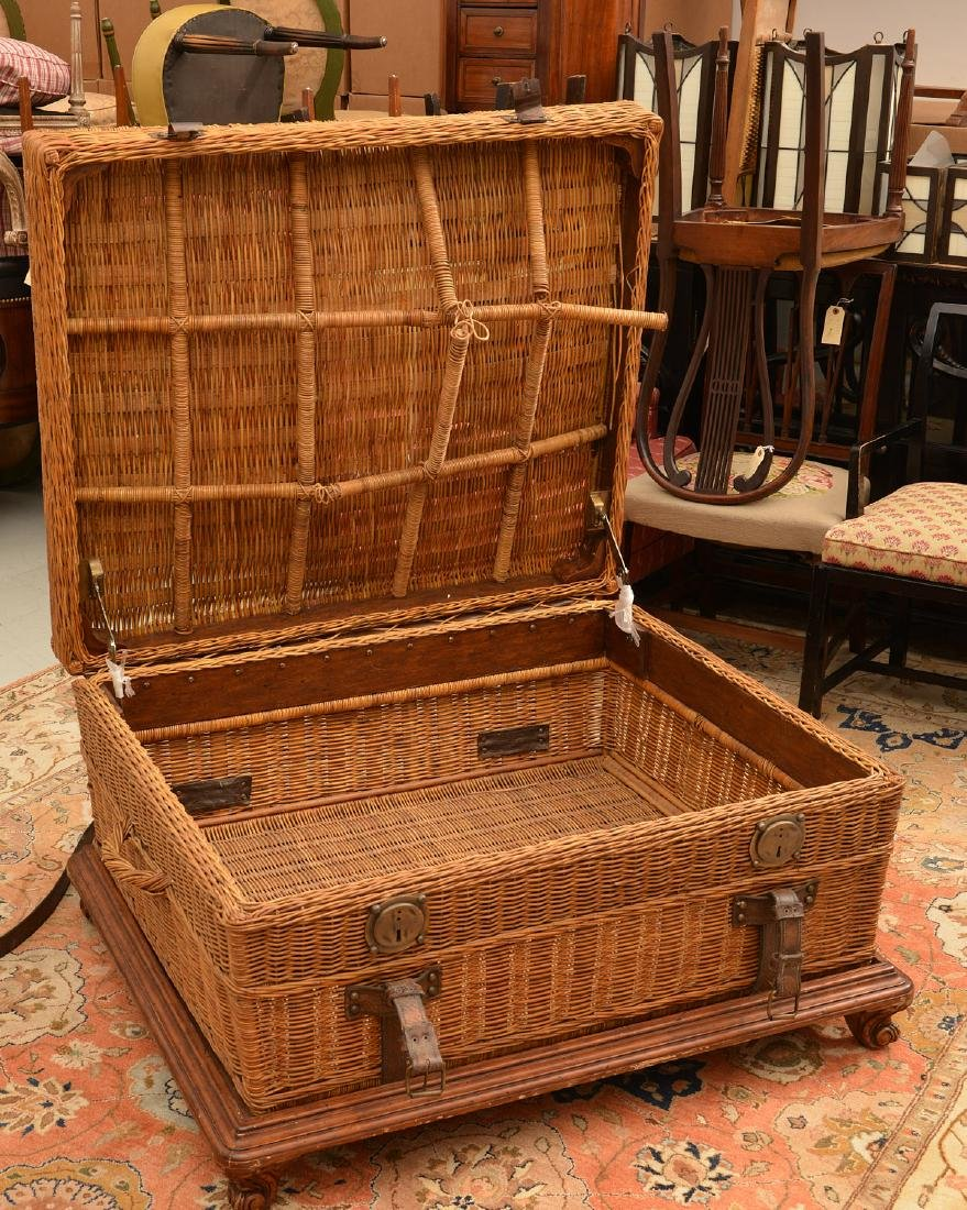 Ralph Lauren coachwork style wicker trunk table - 4