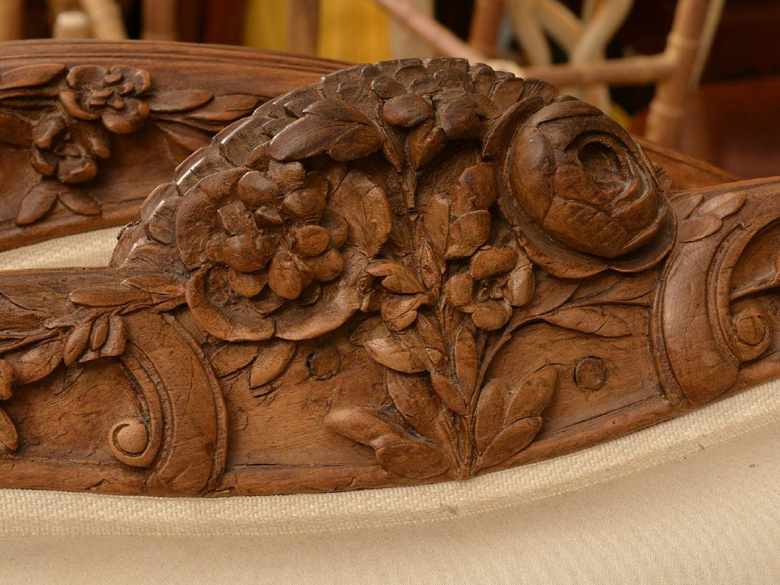 Louis XV carved fruitwood lit d'alcove (daybed) - 4