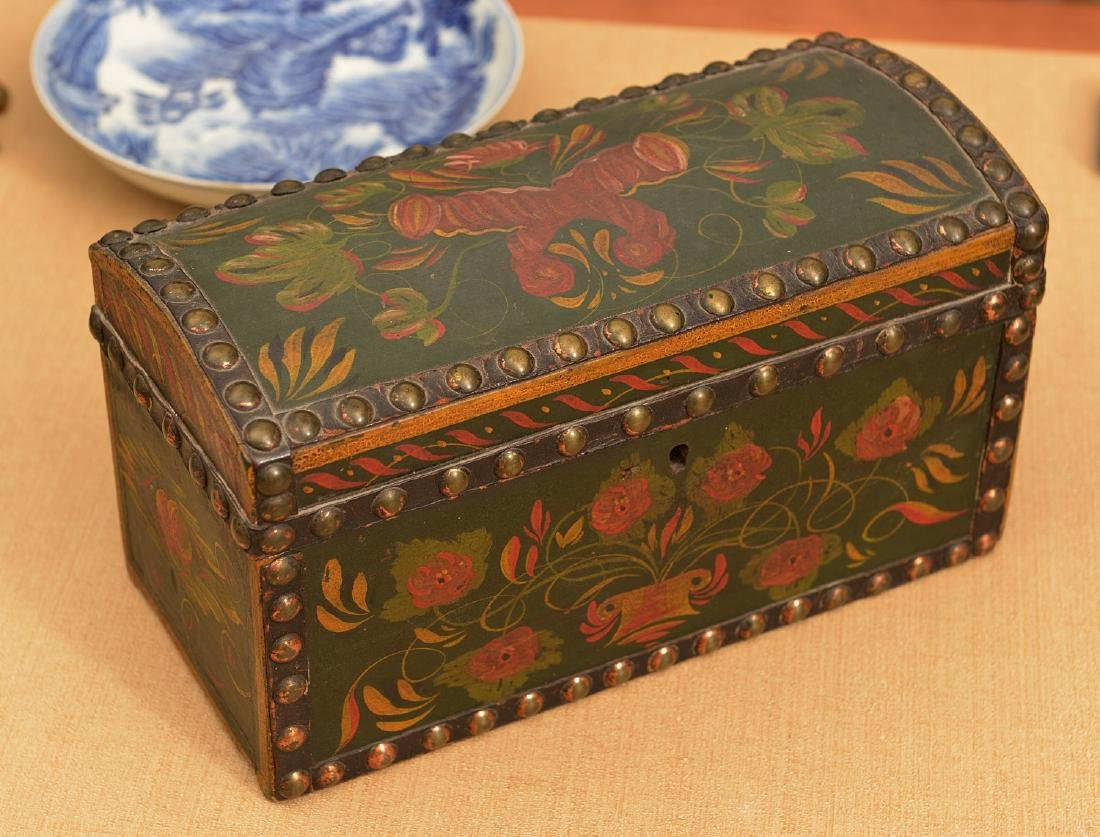 Pennsylvania Dutch style dome top box