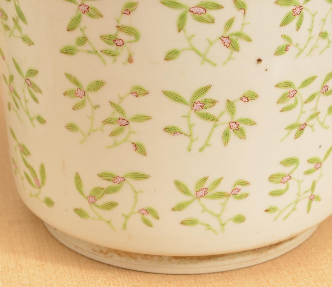 Pair Chinese Export porcelain jardinieres - 4
