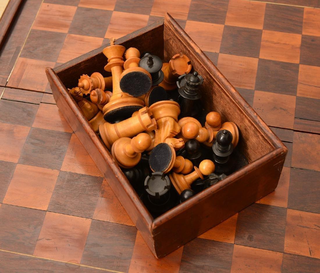Staunton style chess set and Syrian case - 8