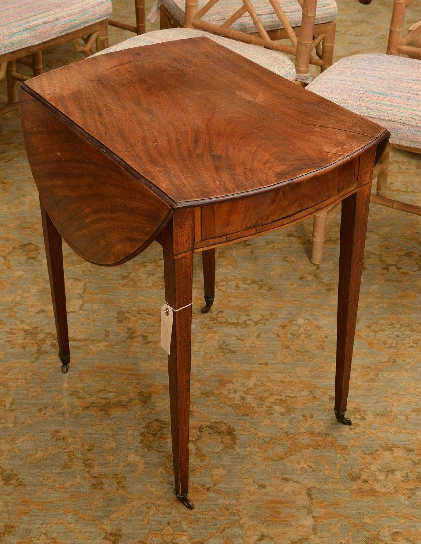 American Federal mahogany Pembroke table