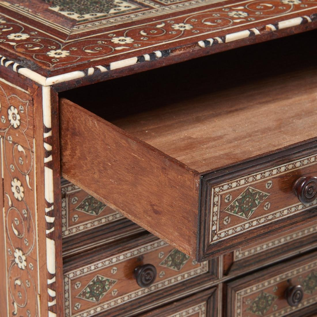 Damascus inlaid tabletop chest of drawers - 2