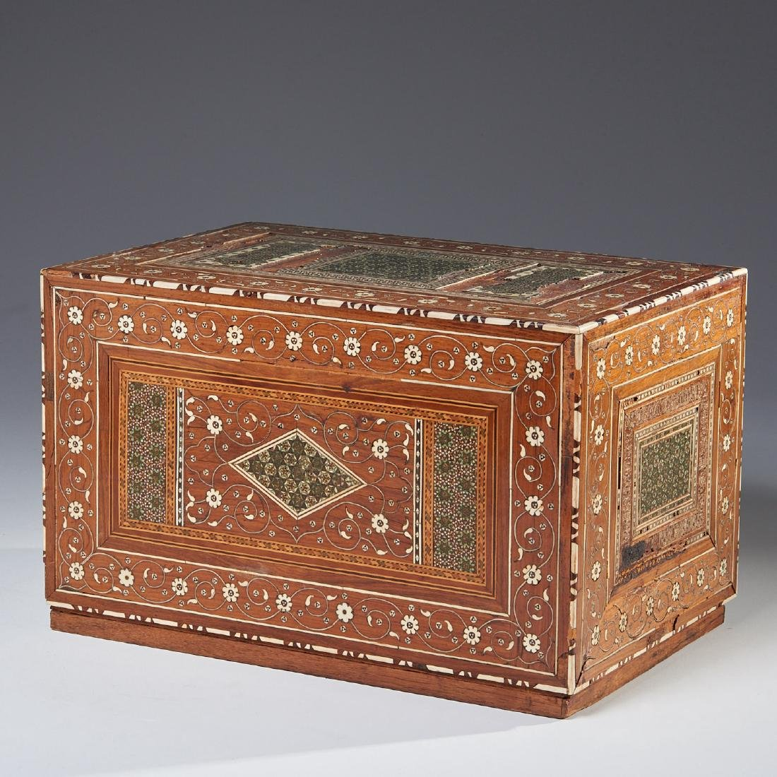Damascus inlaid tabletop chest of drawers - 8
