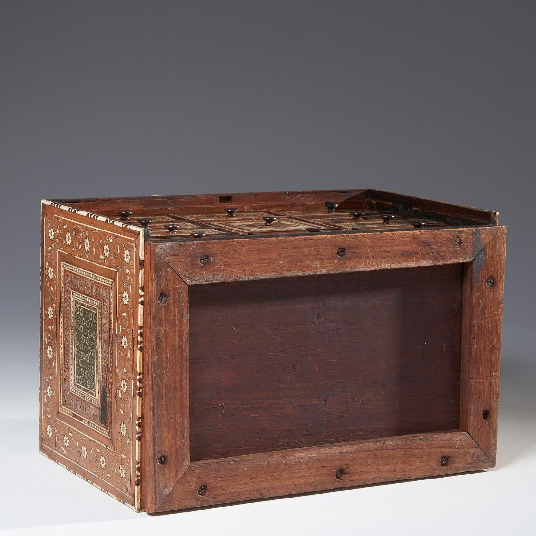 Damascus inlaid tabletop chest of drawers - 9