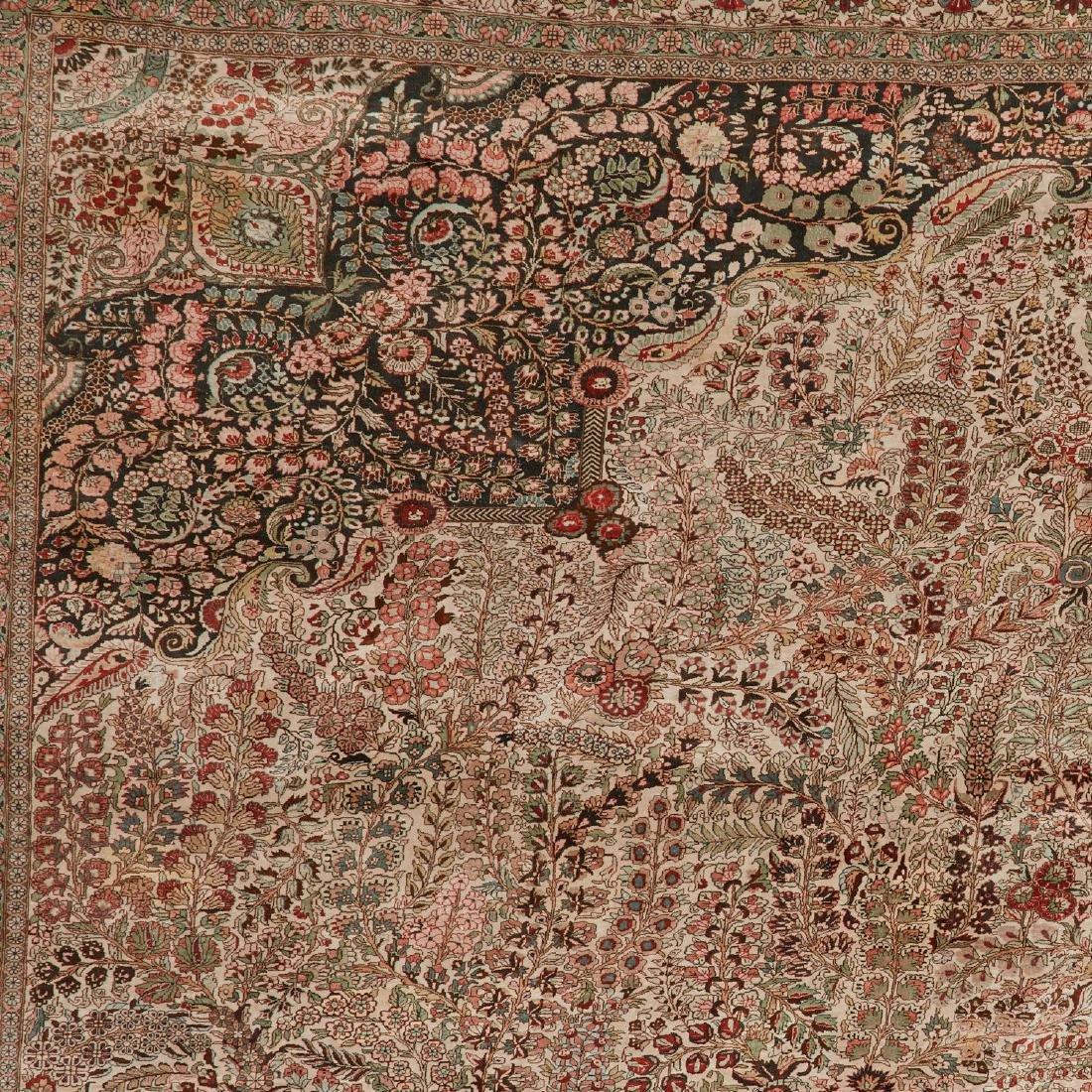 Very fine Hereke style silk rug - 4