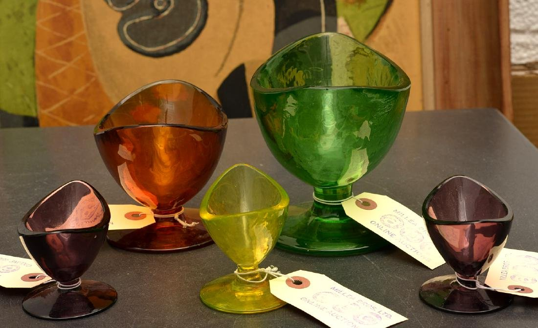 Group (5) colored art glass pedestal bowls - 7