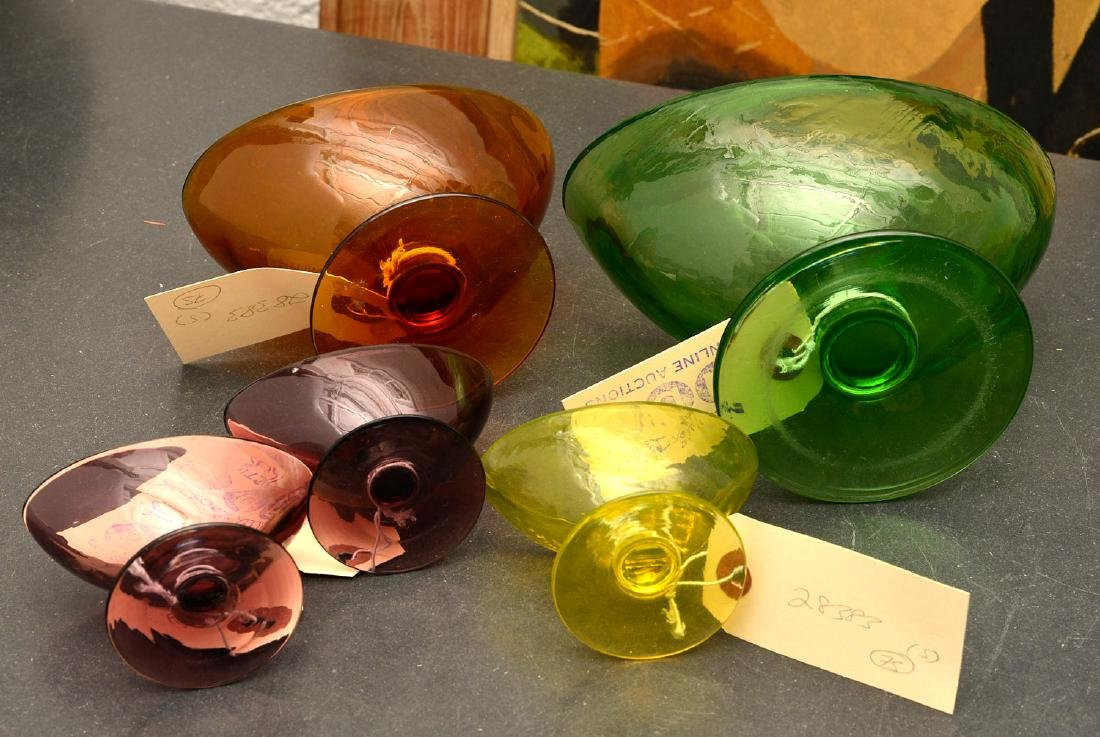 Group (5) colored art glass pedestal bowls - 8