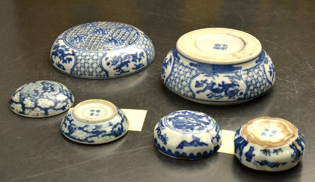 (3) Chinese blue and white porcelain dragon boxes - 10