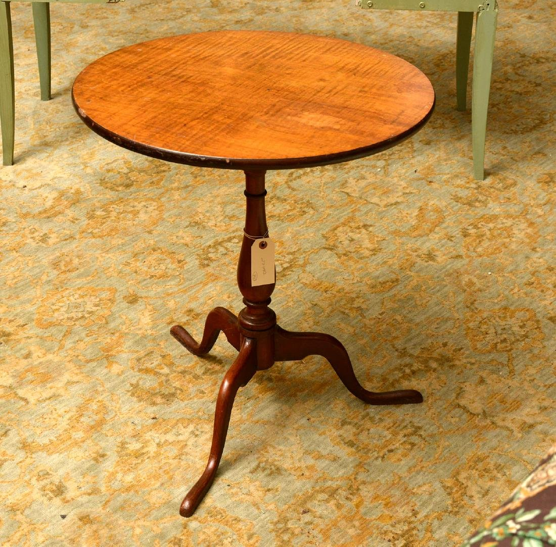 Chippendale-style mahogany tilt-top candlestand