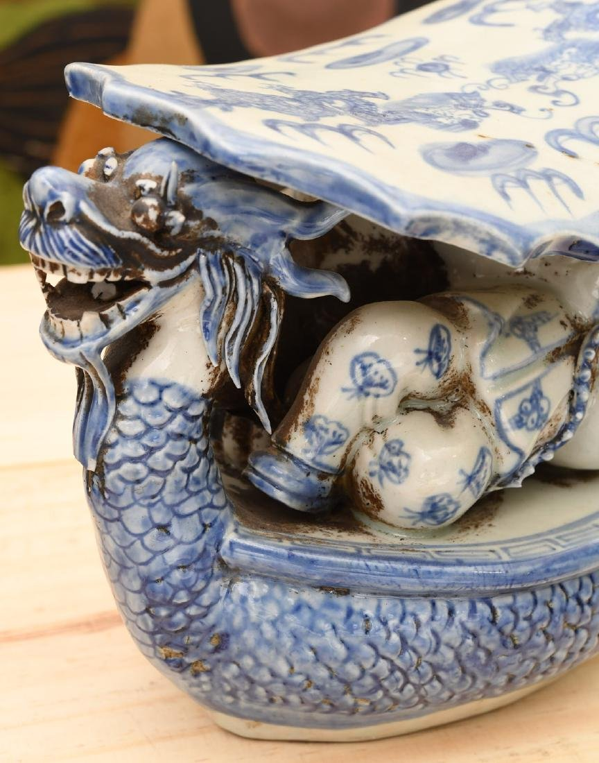 Chinese blue and white porcelain dragon pillow - 2