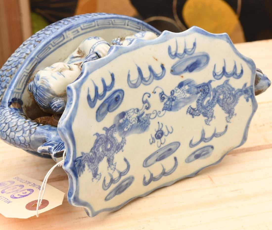 Chinese blue and white porcelain dragon pillow - 5