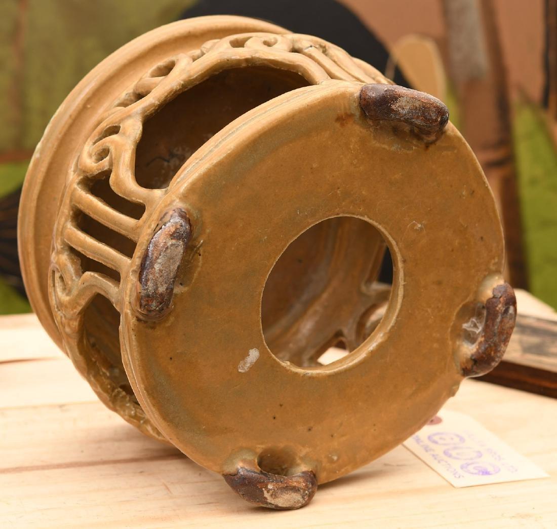 Chinese Jinware style glazed ceramic stand - 7